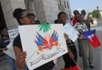 haitianos2 Haitianos se movilizan en capitolio de Rhode Island, EEUU