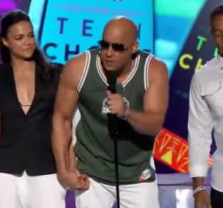 caco Video   El homenaje de Vin Diesel a Paul Walker los Teen Choice Awards