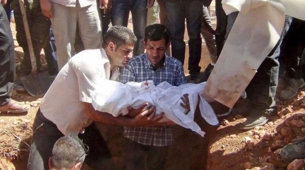 adbdullah kurdi Entierran junto a su familia niño ahogado en Turquía