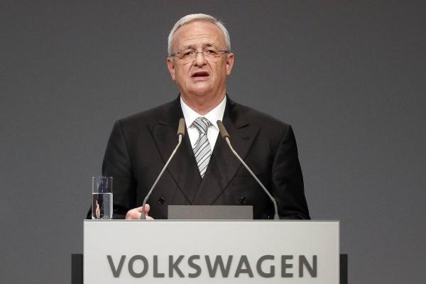martin winterkorn Tituá! Renuncia director de Volkswagen
