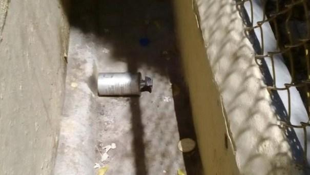 chamaquito-lanza-bomba-lacrimogena-a-escuela