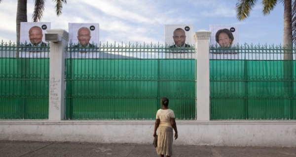fokiuses-dando-de-comer-a-muchos-haitianos