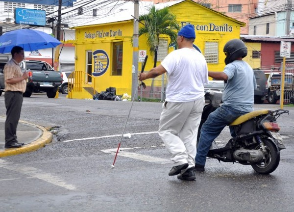 ciego1 Ciudadano Solidario