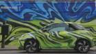 Artistas legendarios pintando carros
