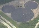 mickey mouse Disney con panel solar en forma de Mickey Mouse