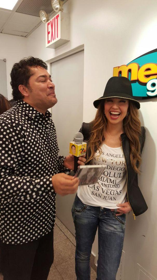 Video   El Pachá se topa con Thalia
