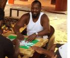 Vladimir Guerrero jugando dominó