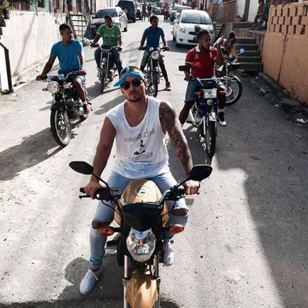 f1232 13473141 1094260797286854 1514280507 n Video   Maluma grabando en Santo Domingo