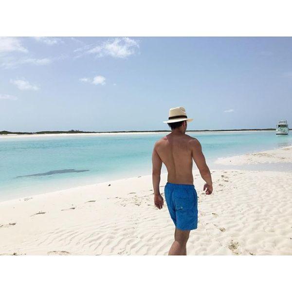 pr3 Fotos   Prince Royce presume musculatura en la playa