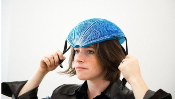 casco papel 1 Casco de papel para bicicleta gana premio internacional