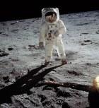hombre en la luna Las 100 fotografías más influyentes de la historia