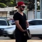 adolf Broma: Entregando dolares en calles de la capital