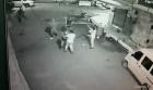 rd27 Vídeo   Policías les entran a palos a un comerciante