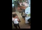 sweetfrog Video   Robo en una heladería de la capital