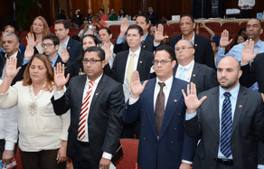 rd26 Juramentan a 69 extranjeros como dominicanos
