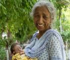 daljinder kaur Con problemas el niño de la madre primeriza a los 70 años