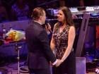 cristian castro Video   Cristian Castro le pide matrimonio a su jeva en concierto