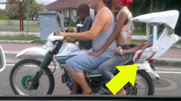 reponsable Foto   Silla de niños para motocicleta [creatividad criolla]