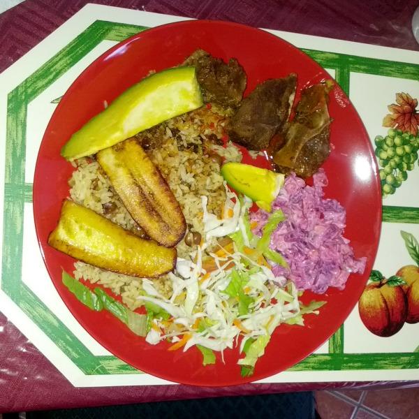 fermina Chivo, moro,maduros y ensalada