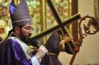 arzobispo 300x199 Demandan a religiosos atender su rebaño, no involucrarse en política
