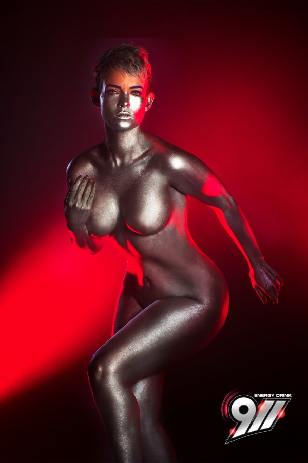 img 20160521 wa0020 El sexy body paint de la comunicadora dominicana Yelitza Lora