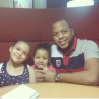 wp ss 20160731 0002 ¡Feliz día papá dominicano! (Manda su foto pa' ponerlo a figurear!)