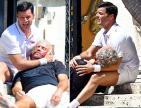 ricky martin 300x229 Ricky Martin se quita los pantaloncillos y le critican los pies