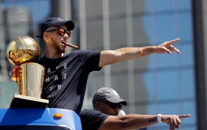 Golden State Warriors 300x189 La caravana de Golden State; Draymond Green se burla y LeBron responde