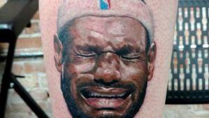 Kalen Gilleese 300x169 Fanático de Jordan se tatúa a LeBron llorando