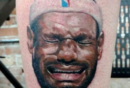 Kalen Gilleese 440x300 Fanático de Jordan se tatúa a LeBron llorando