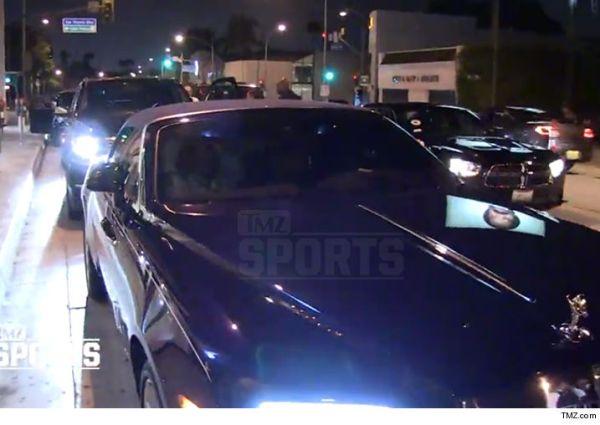 LeBron 2 600x425 LeBron en su máquina de US$340,000 (video)