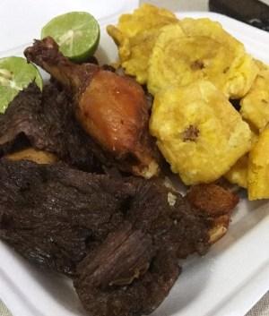 fritura 300x353 Fritura Friday: Res, cerdo, pollo y tostones