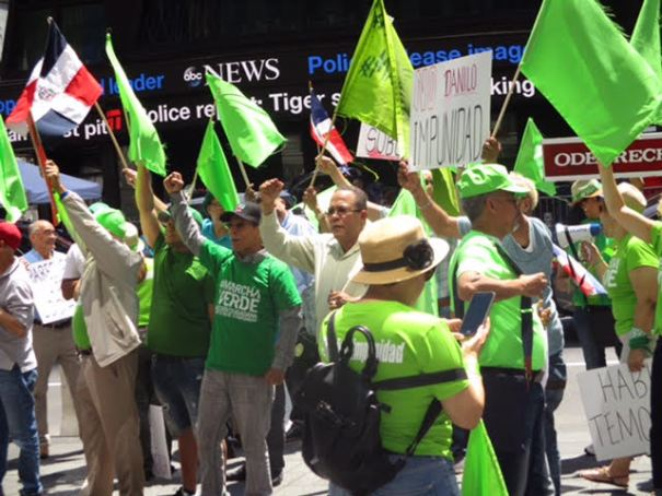 movi Los Verdes en Times Square