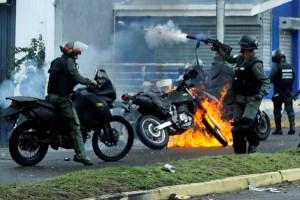 venezuela 1 300x200 Van 96 muertos en las protestas de Venezuela
