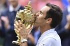 Federer 300x200 Roger Federer impone récord; 8vo Wimbledon