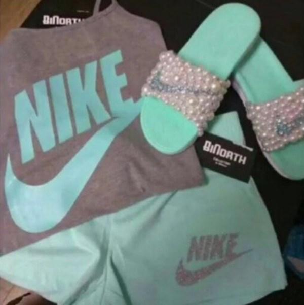 Foto viral nike 600x601 Foto viral: ¿De qué color ves esta ropa?