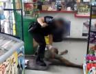Georgia 300x233 Video muestra policía golpeando mujer sin hogar en Georgia