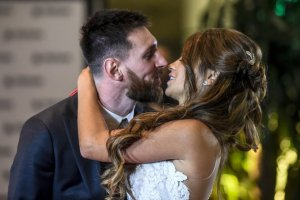 Messi 300x200 ¿Por qué Messi y Antonella no se casaron por la Iglesia?