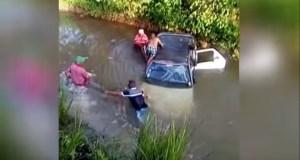 Nagua 300x160 Camioneta cae en un río en Nagua; dos muertos