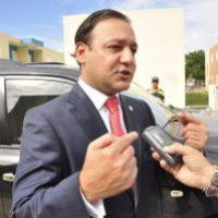 Alcalde reclama RD$100 millones y cancelan a su hermano