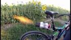 Bici JEt 300x169 Video   Bicicleta con una turbina de avión