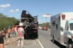 accidente 1 150x99 Video: Choque mortal entre camiones en carretera Azua Baní