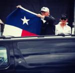 dt 150x146 Trump llega a Texas y se pone a politiquear
