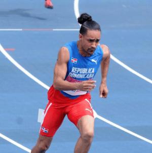 lu 300x302 Luguelín Santos gana oro en Taipei