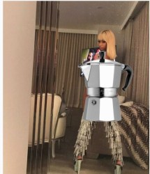 niki 300x349 Nicki Minaj calienta las redes con esta foto