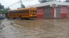 piscina 300x166 En Los Frailes tan hartos de piscina se forma desde que llueve