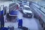 camioneta lavanderia 150x101 Video –Don dando reversa se fue hasta el fondo de lavandería en NY