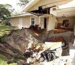 casa 1 150x131 Fotos: Casa tragada por un 'hoyazo' en Florida