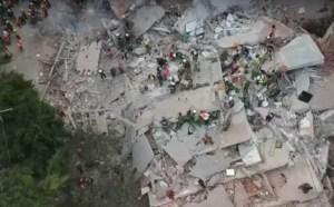 sismo 300x186 Sube a 248 la cifra de muertos por terremoto en México