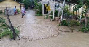 wilson 300x160 100 casas inundadas por lluvias en Santiago
